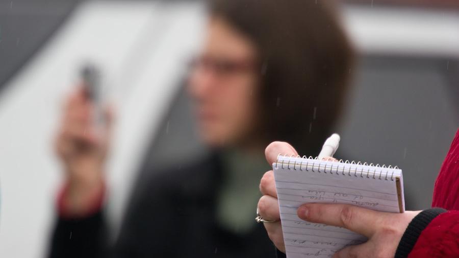 10 maneras para que los periodistas locales puedan cubrir mejor su zona